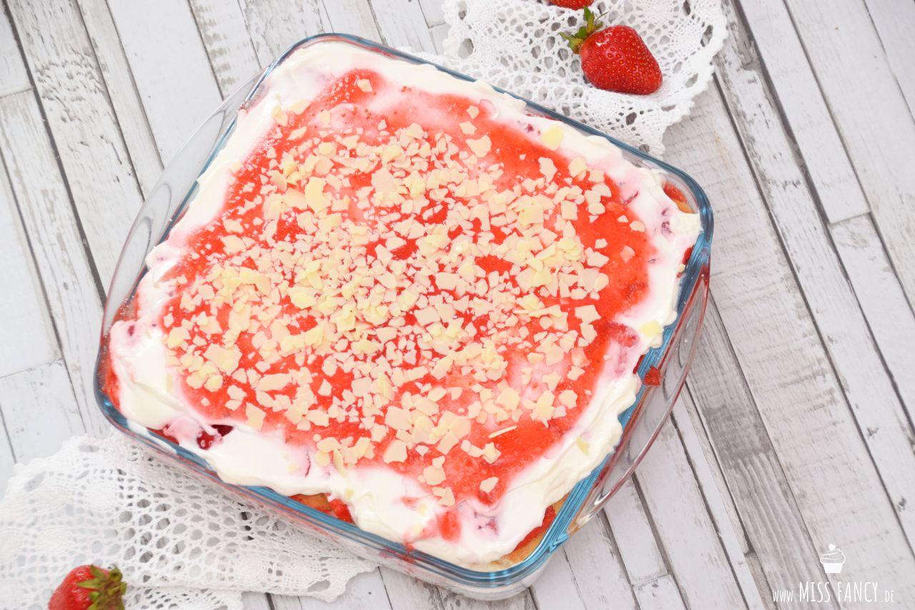 Beitrag-erdbeer-tiramisu-missfancy