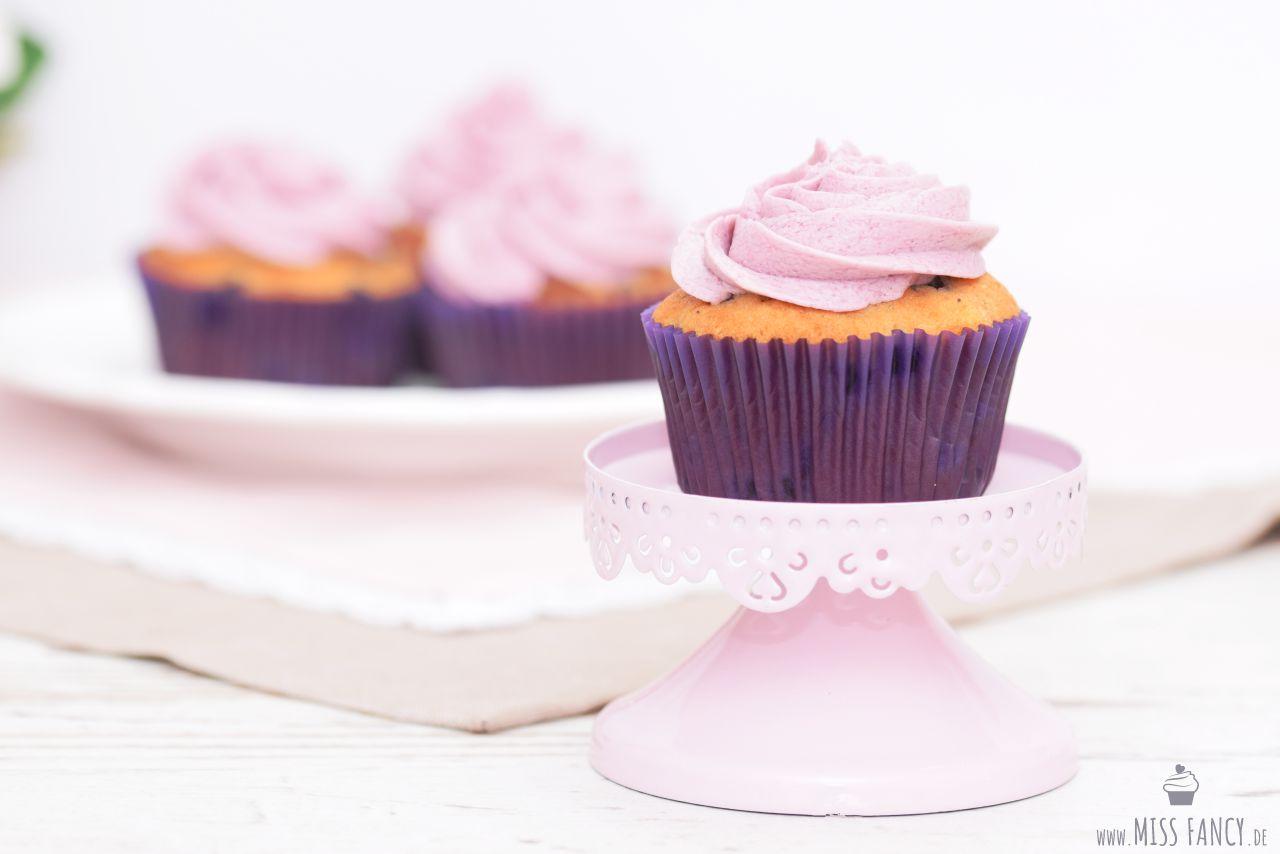 Rezept-Waldheidelbeer-Cupcakes-Missfancy-Foodblog