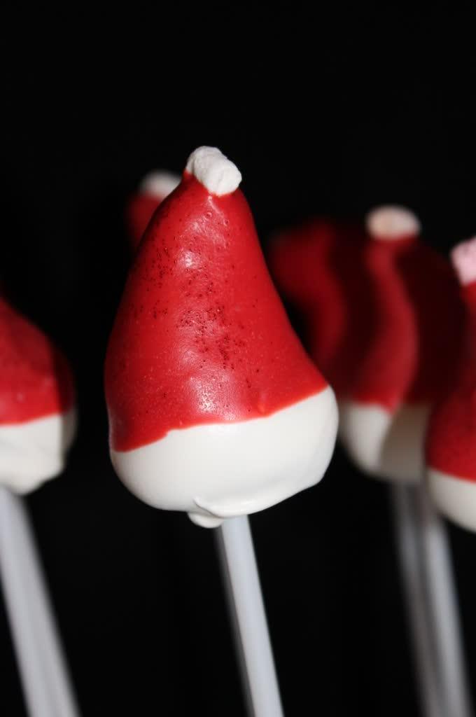 Nikolausmützen Cake Pops