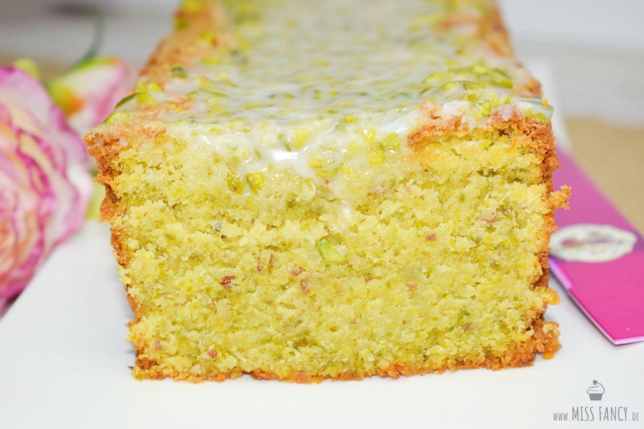 Grüner Mandelkuchen mit leckeren Pistazien