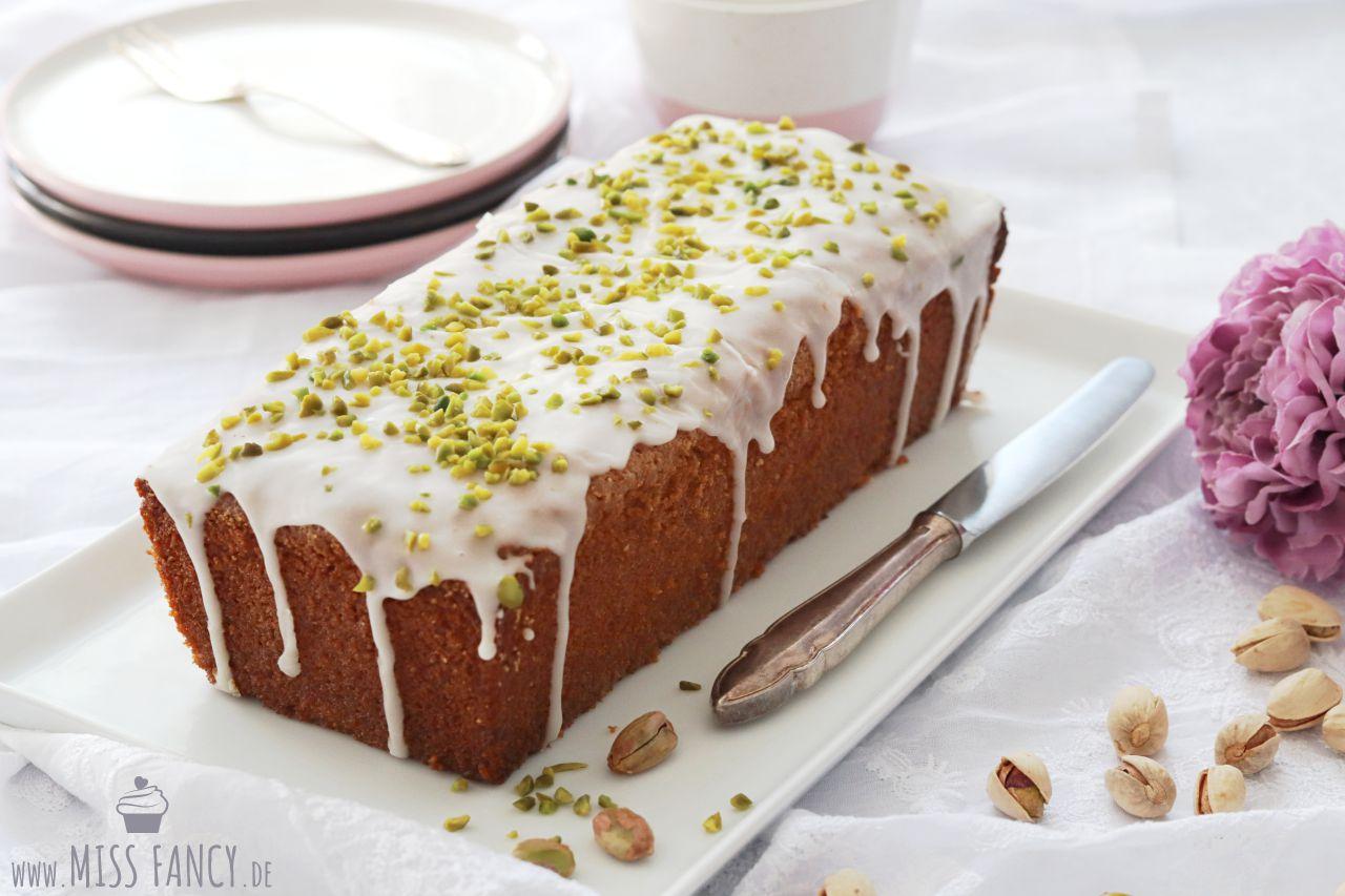 Mandel-Pistazienkuchen - lecker und saftig! | Miss Fancy - Lifestyle Blog