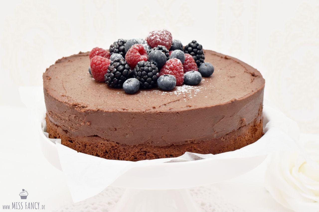 Für alle Schokoladenjunkies: Schoko Rumtrüffel Torte | Miss Fancy ...