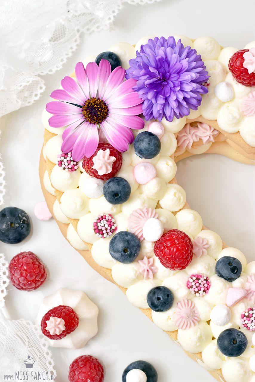 Rezept-Muttertagstorte-Heart-Cake-Letter-Cake