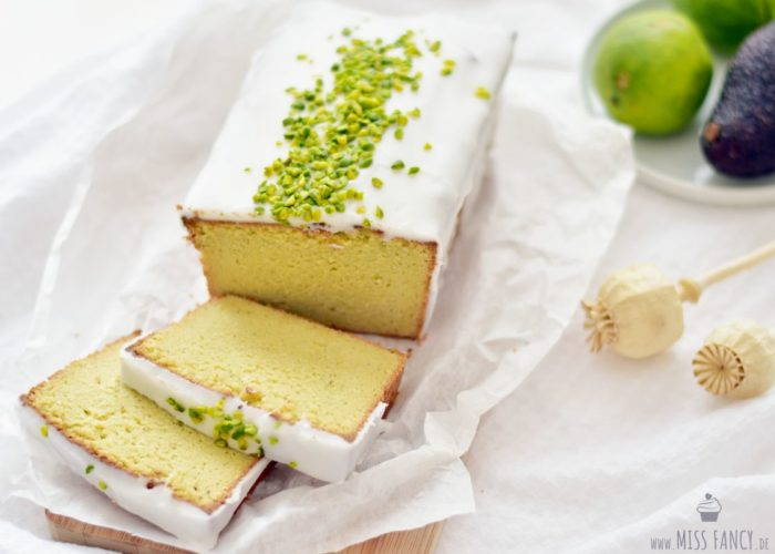 Low Carb Avocado-Mandel-Kuchen