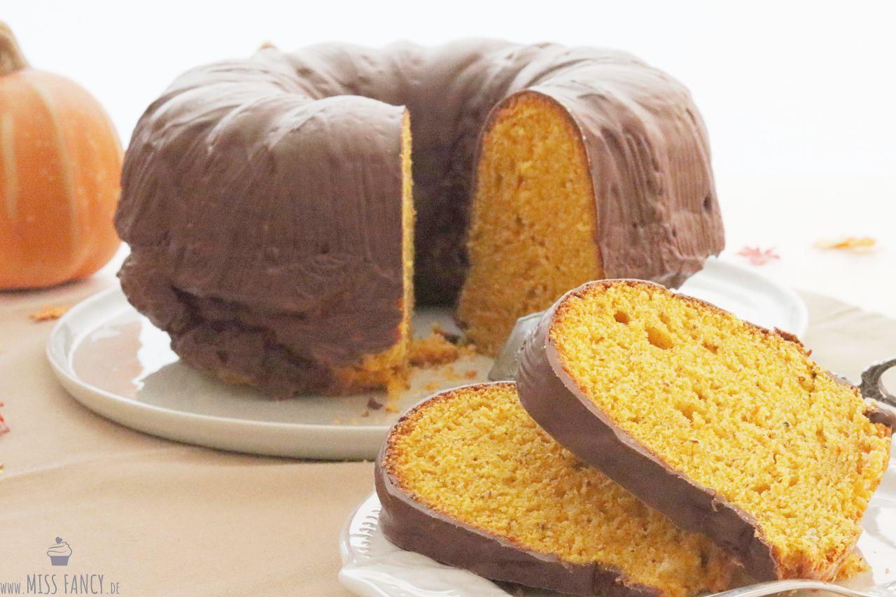 Herbstlicher Kürbis-Nuss-Gugelhupf-Foodblog-Missfancy